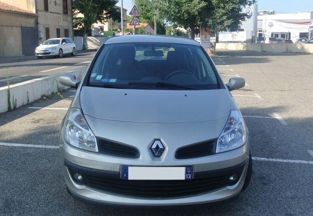 location renault clio 2006 salon de provence 13300 ouicar