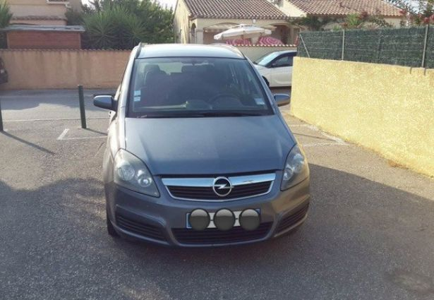 location opel zafira 2005 montpellier 34070 ouicar. Black Bedroom Furniture Sets. Home Design Ideas