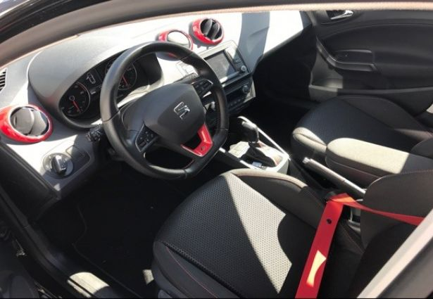 location seat ibiza 2016 grenoble 38000 ouicar. Black Bedroom Furniture Sets. Home Design Ideas