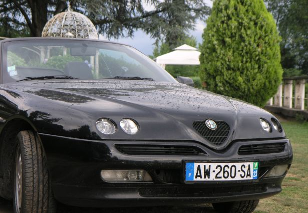 location alfa romeo spider 1997 paris 14 me 75014 ouicar. Black Bedroom Furniture Sets. Home Design Ideas