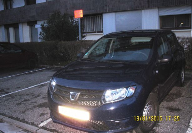 location dacia sandero 2014 grenoble 38100 ouicar. Black Bedroom Furniture Sets. Home Design Ideas